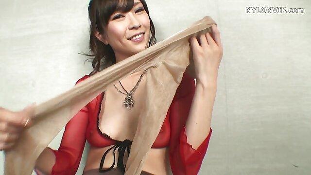 Nena caliente disfrutando ella misma anime hentai tentaculos