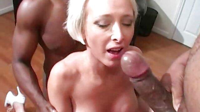 Lindo los increíbles hentai joven lesbianas juego anal