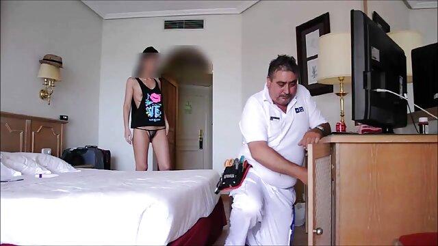 Enfermera caballeros del zodiaco porno británica doggystyled antes de tragar semen