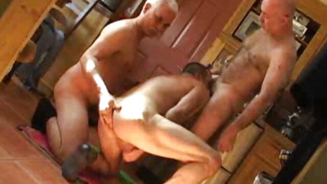 LUBRICADO Maddi Winters recién llegada de pechos pequeños comic hentai hermanos se unió para la ducha