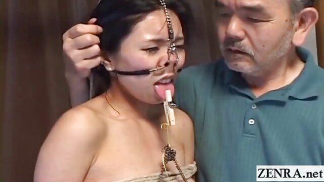 Marido le pide a un manga porno de dragon ball extraño que se folle a su joven esposa por dinero