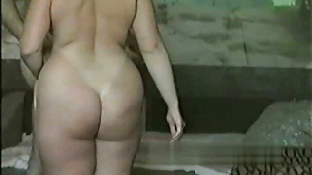 Chica fotos de dragon ball porno curvilínea caliente y sexy disfruta del trabajo (1)