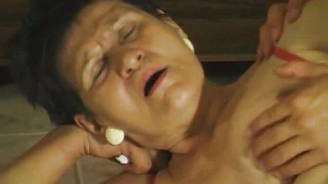 Mutter ueberedet Jungspund Handwerker porno brutal hentai zum Ficken